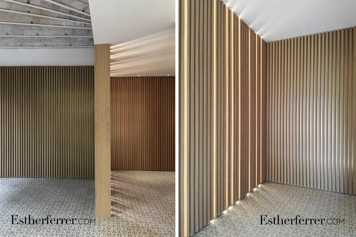 reforma integral de piso modernista en l'eixample de Barcelona. Sala con costillas de madera listones de madera y leds