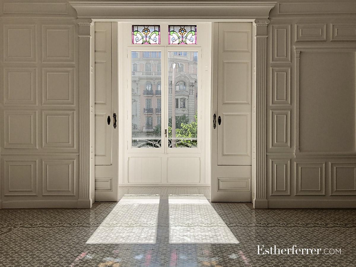 Reforma integral de piso modernista en l'Eixample. tribuna y vitrales